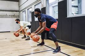 Wearing a mask during a basketball game, is it beneficial?